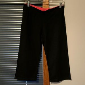 Champion fitted cropped pants Black w/ pink trim